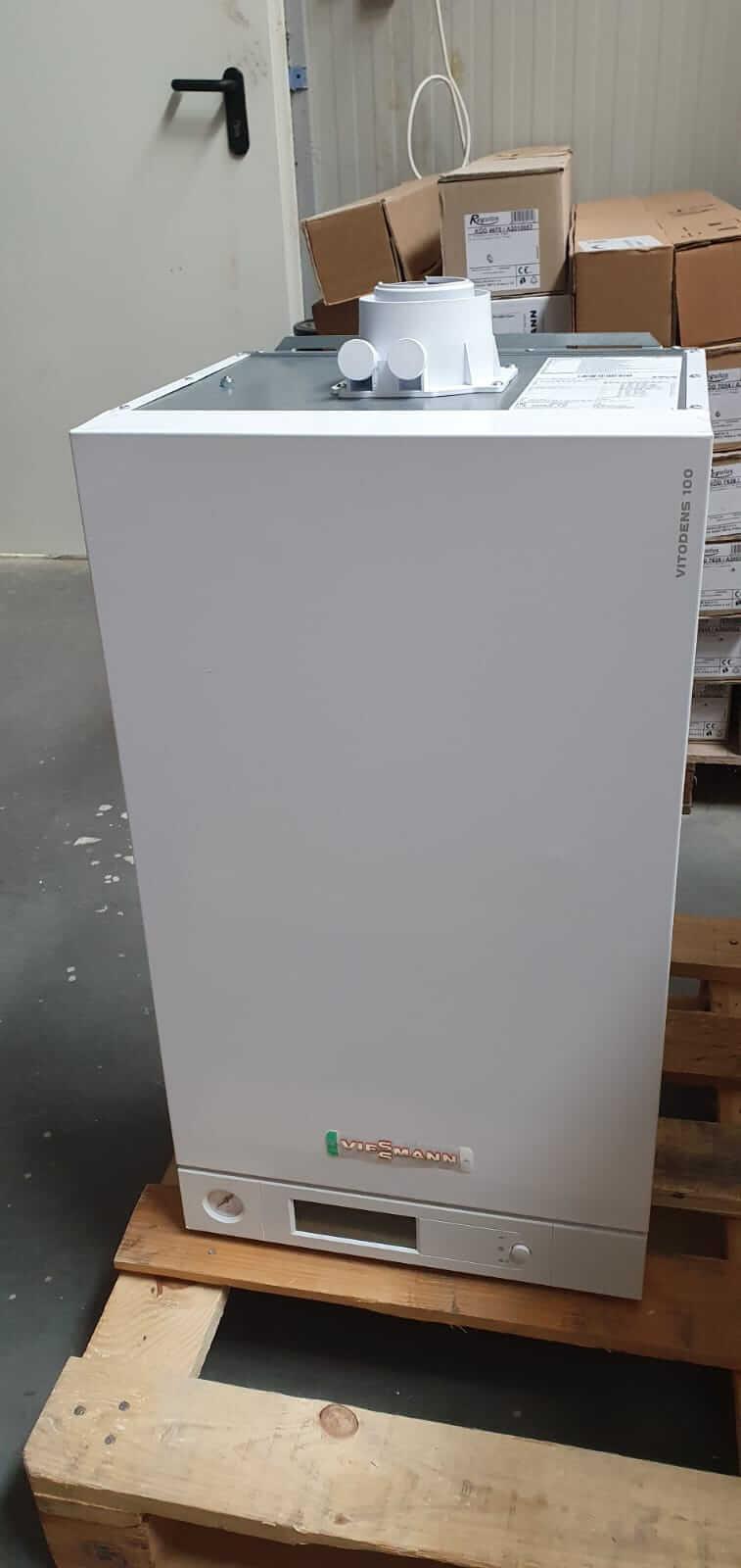 Poza Centrala termica in condensare cu touchscreen Viessmann Vitodens 100-W 35 kw combi B1KC157 resigilat. Poza 17010