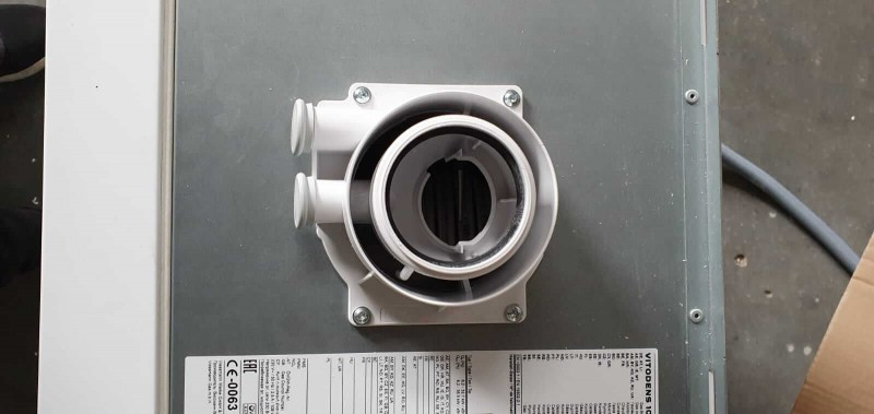 Poza Centrala termica in condensare cu touchscreen Viessmann Vitodens 100-W 35 kw combi B1KC157 resigilat. Poza 17059